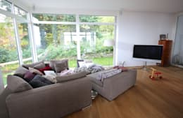 modern Living room by raumatmosphäre pantanella