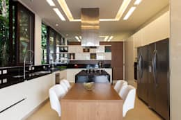 modern Kitchen by Infinity Spaces