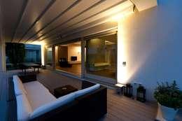 Terrasse de style  par Paolo Carli Moretti Architetto