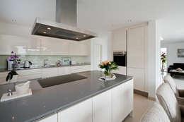 Küchenblock: moderne Küche von Architektur Jansen