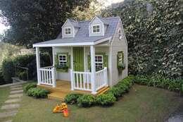 Minik Ev – Backyard Cottage: klasik tarz tarz Bahçe