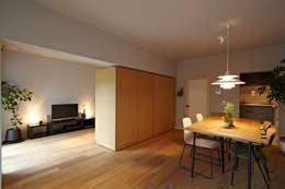 modern Living room by 山田伸彦建築設計事務所