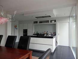 Uitbreiding Vleuten: moderne Keuken door CORPA