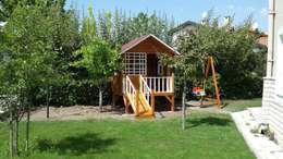 şirin home ahşap ev – cocuk evleri: klasik tarz tarz Bahçe