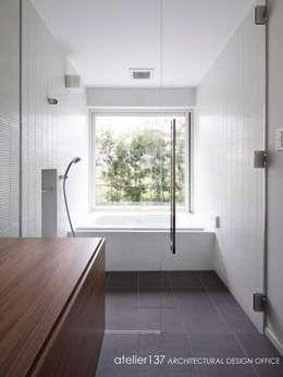 atelier137 ARCHITECTURAL DESIGN OFFICE의  화장실
