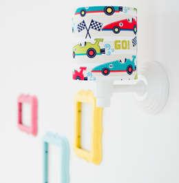 Habitaciones infantiles de estilo  por LAMPS&COMPANY