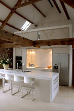 Coldbrook Farm, Monmouthshire: country Kitchen by Hall + Bednarczyk Architects