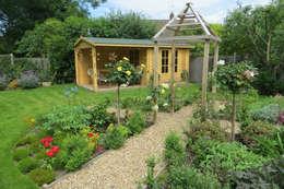 landhausstil Garten von Cowen Garden Design