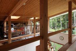 日高の家: TAMAI ATELIERが手掛けた和室です。
