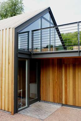 Terrazas de estilo  por Hall + Bednarczyk Architects