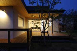 谷原新田の家: TAMAI ATELIERが手掛けたベランダです。