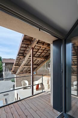 Maison de Village : Terrasse de style  par Lautrefabrique