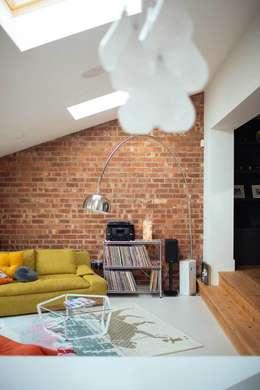 Ruang Keluarga by PARKdesigned Architects