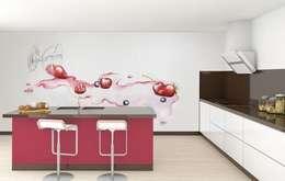 Copa de frutos rojos: Cocinas de estilo moderno de Murales Divinos