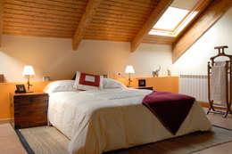 Chambre de style de style Minimaliste par living spaces arquitectura