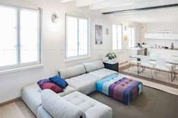 غرفة المعيشة تنفيذ Pierangelo Laterza