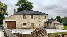 Projekty, wiejskie Domy zaprojektowane przez Intra Arquitectos