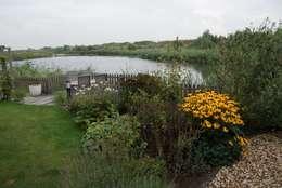 Vlonder: landelijke Tuin door Ontwerpstudio Angela's Tuinen