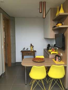 Cocina de estilo  por  Adriana Fiali e Rose Corsini - FICODesign