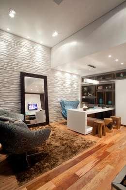 Home Office: Escritórios  por  Adriana Fiali e Rose Corsini - FICODesign