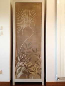 Hogar de estilo  por Bitelli Marta - decorazioni pittoriche