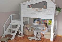 Super unikatowe łóżeczko drwniane - PIĘTROWY DOMEK : styl , w kategorii Pokój dziecięcy zaprojektowany przez Eko Bracia