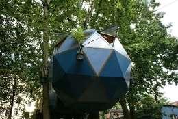Luftschlösser Baumhausprojekte _ Kreuzberger Kugel: ausgefallene Häuser von Luftschlösser