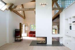 Projekty,  Salon zaprojektowane przez gaupenraub+/-