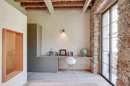 Oficinas de estilo mediterraneo por Lara Pujol  |  Interiorismo & Proyectos de diseño