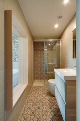حمام تنفيذ Lara Pujol  |  Interiorismo & Proyectos de diseño