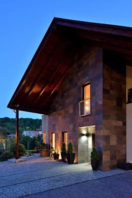 JARE DOM: styl nowoczesne, w kategorii Domy zaprojektowany przez ARCHITEKT.LEMANSKI