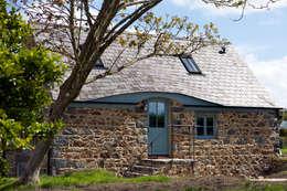 Casas de estilo rústico por CCD Architects