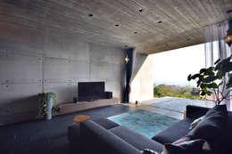 غرفة المعيشة تنفيذ 株式会社クレールアーキラボ