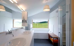 country Bathroom by w. raum Architektur + Innenarchitektur