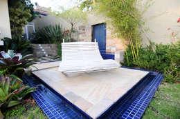 Jardines de estilo moderno por Loro Arquitetura e Paisagismo