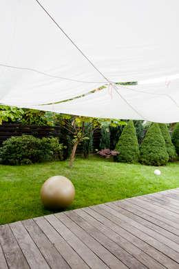 DOM W POZNANIU: styl , w kategorii Ogród zaprojektowany przez oyster