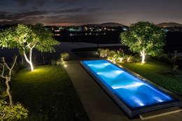 Jardin de style de style Minimaliste par Loro Arquitetura e Paisagismo