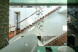 moderne Badkamer door RS+ Robert Skitek