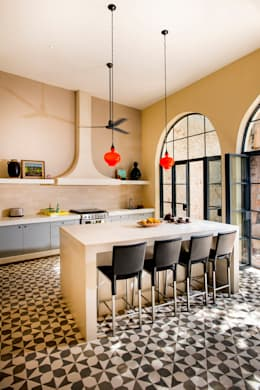 colonial Kitchen by Taller Estilo Arquitectura