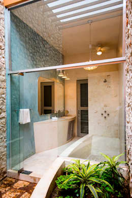 colonial Bathroom by Taller Estilo Arquitectura