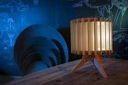 Lampen serie Lamel: moderne Woonkamer door Samosa 'Ontwerp op Maat'