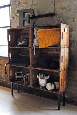 Livings de estilo industrial por Villka Hillka