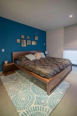 modern Bedroom by ESTUDIO TANGUMA