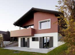 Singer Baenziger Architekten: modern tarz Evler
