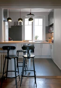 modern Kitchen by ATELIER 105 - Carthagéna Virginie