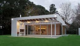 Projekty, nowoczesne Domy zaprojektowane przez METODO33