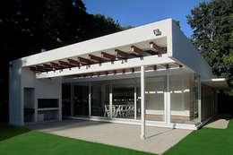 Casas de estilo moderno por METODO33