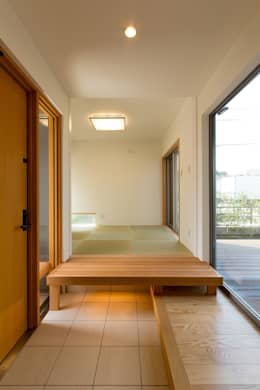Corridor & hallway by シーズ・アーキスタディオ建築設計室