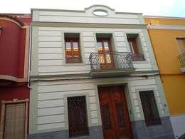 房子 by Aris & Paco Camús
