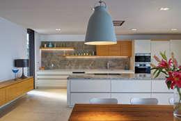 modern Kitchen by Nicolas Tye Architects